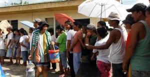 フィリピン台風被災地の支援8 物資の配布