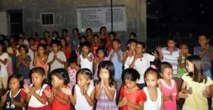 フィリピン台風被災地の支援1