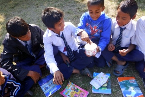 ネパールの小学校の子どもたち