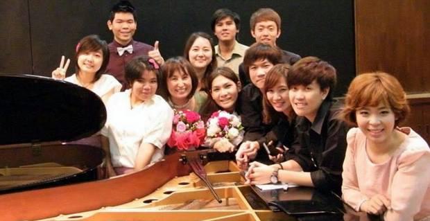 Atsuko Seta and Students