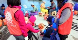 漁業の道具の手入れ