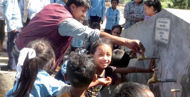 ネパール地震復旧支援