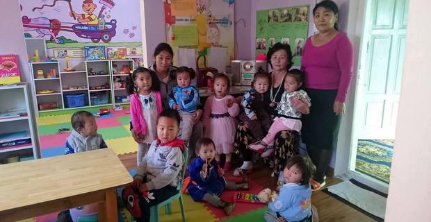 アムガランエンフ保育園の子供たち