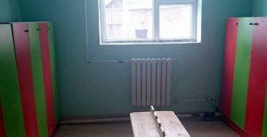 保育室として改修中の室内
