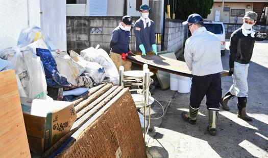 須賀川町被災地のボランティア