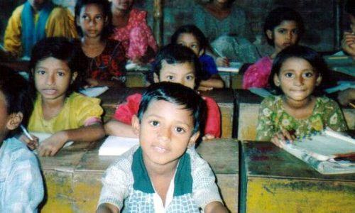 里子の笑顔(4)バングラデシュ寺子屋の子どもたち