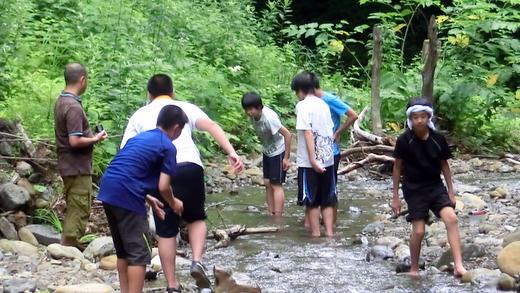 小谷村 真木での川遊び