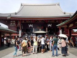 浅草寺の境内