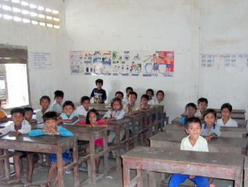 里子の笑顔104号 カンボジアの子どもたち